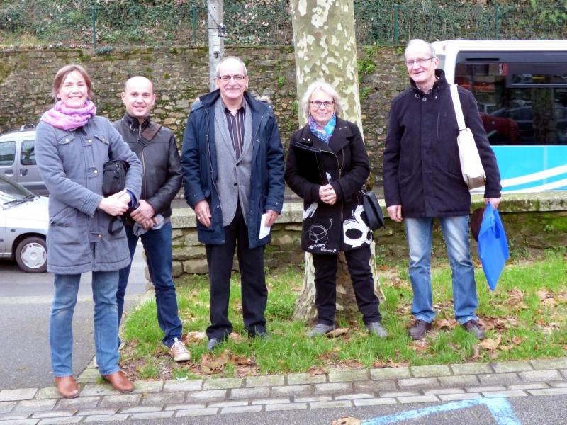 Réunion à Hennebont, pour enrichir le partenariat. De g à dr : Hélène Morel (Réseau Faire à cheval), Goulven Hénaff (ATTF), Jack Gonidec (ATTF), Yvette Bourdon (ATTF), Jo Bouin (Réseau Faire à cheval)