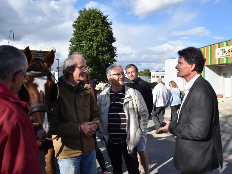 Discussion autour du cheval avec Paul Molac, député de la circonscription de Ploërmel