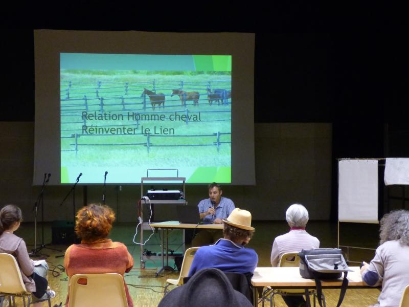 Conférence sur la relation homme-cheval, pour mieux comprendre nos interactions